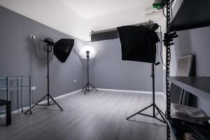 sala-posa-fotografica-lecce-attrezzata-noleggio-cavallino-salento-puglia-looteck-lab-antonio-fatano-03